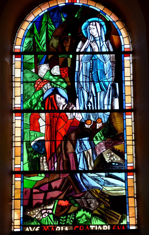 La vierge de Lourdes avec sainte Bernadette